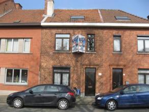 Gezellige woning met aangename tuin en veel licht aan de achterzijde dankzij de open veranda achteraan.Ideaal gelegen tov station Leuven en oprit E314