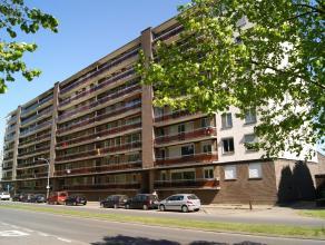 Ruim appartement op het vijfde verdiep met 3 slaapkamers, ruime living met zicht op groen, geinstalleerde keuken met aansluitend ruim terras, badkamer