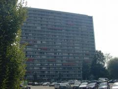Mooi, volledig gerenoveerd appartement met 1 slaapkamer (parket), living (parket), terras met prachtig zicht over Leuven, nieuwe badkamer met douche,