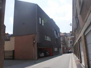 Prachtig luxe-appartement in het centrum van Leuven :   Met 2 slaapkamers, badkamer, ingerichte keuken, ruime living, eetruimte en ruim zonneterras.