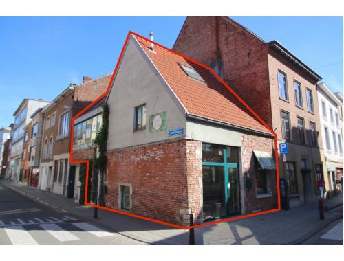 Handelspand met woonst te koop in Leuven, € 370.000