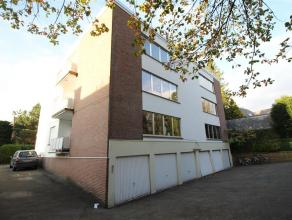 Vlakbij  Heverlee-bos, te midden van deze residentiële verkaveling ligt een ruim en rustig gelegen appartement met 3 slaapkamers, grote leefruimt