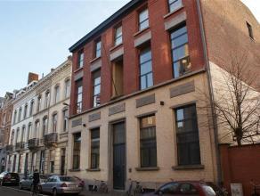 Goed gelegen (binnen de ring) mooi duplexappartement, in een prachtig gerenoveerd gebouw, in het centrum van Leuven.<br /> Dit appartement heeft een r