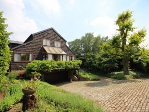 Uitstekend gelegen villa met zwembad op 27 are met landelijk karakter.  Indeling met zeer grote leefruimte (75 m²), keuken met eetplaats, bureel,