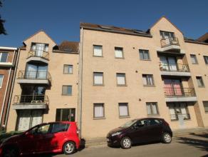 Ruim en charmant appartement gelegen op de 3e verdieping van het appartementsgebouw. Bestaande uit ruime living met open keuken, 2 slaapkamers, grote