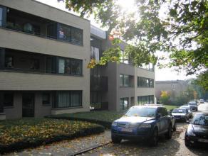 Gemeubeld appartement gelegen op de tweede verdieping op wandelafstand van centrum Leuven en goed gelegen nabij Gasthuisberg! Zeer goede verbindingen