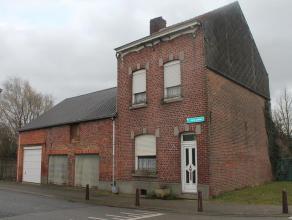 Deze ruime woning is gelegen in de groene gemeente Kessel-Lo. De woning bestaat uit het woonhuis, achterbouw en aanpalende schuur/garage.Het woonhuis