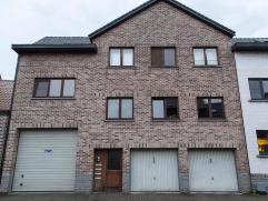 Appartement 2 slaapkamers en garage, net buiten de ring van Tienen. 1e Verd in gebouw met slechts 4 app. Instapklaar Afspraak tot bezichtiging Mevr Va