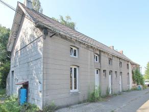 Rustig gelegen renovatie-project bestaande uit 3 oude huizen welke volledig te renoveren zijn. Gelegen in agrarisch gebied op een mooi perceel van cir