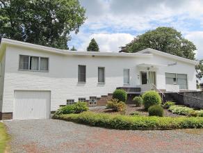 Moderne villa gelegen op hoekpeceel van 16 are 15 ca langsheen verbindingsweg. Goede verkeerverbindingen - op 5min van Mechelen, ringweg R6 naar E19 e