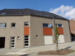 Lage interestvoeten al gezien ? Deze moderne nieuwbouwwoning met alle comfort is gelegen in het centrum van het gezellige Kumtich tussen Leuven en Tie