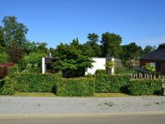 Schitterend gelegen te renoveren bungalow in Hoog-Linden. Residentiele verkaveling op de rand van een natuurgebied met mountainbike- en loopparcours.I