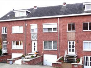 Deze reeds opgefriste woning is gelegen in een rustige buurt, vlakbij het Heuvelhofpark, sporthal/zwembad, scholen, kinderopvang, winkels en Leuven-st
