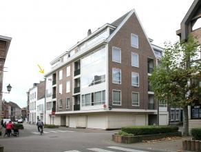 Dit standingvolle appartement (met garage en terras) is gelegen op de derde verdieping (prima onderhouden residentie met lift - alle vertrekken op zel
