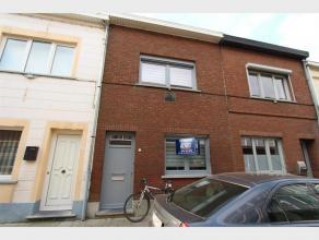 Gerenoveerde STADSWONING met 3 slaapkamers en klein koertje te huur in het centrum van Diest, Sint-Annastraat 14.De woning is recent gerenoveerd en be