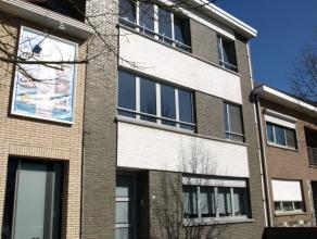 Recent gerenoveerd appartement te huur juist buiten de ring van Diest, Eduard Robeynslaan 24 bus 2. Dit appartement is gelegen op de tweede verdieping
