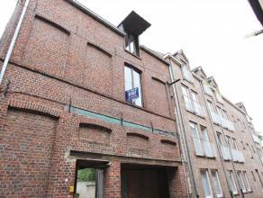 Duplex appartement met 2 slaapkamers te huur in het centrum van Diest, Engelandstraat 4. Het appartement is gelegen op de eerste verdieping, in een ge