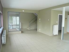 Leuk DUPLEX APPARTEMENT te huur te Tessenderlo, Molenstraat 13. Het appartement is gelegen op de eerste verdieping en heeft een privé ingang. I