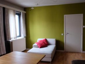 Te huur appartement met 2 slaapkamers gelegen te Diest, Botermarkt 25 bus 1. Dit appartement heeft een inkomhal, woonkamer, keuken, badkamer en 2 slaa