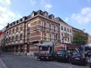 Leuk DAKAPPARTEMENT met 3 slaapkamers te huur in het centrum van Diest, met zicht op de Grote Markt. Het appartement is gelegen in gebouw met lift op