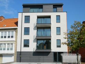 Uniek en prachtig afgewerkt duplex-appartement op wandelafstand van het centrum van Diest. Gelijkvloers : autostaanplaats + privatieve bergruimte Verd