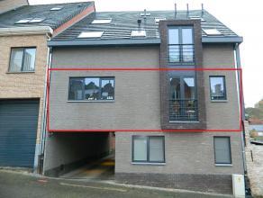 Ruim nieuwbouw appartement met 2 slaapkamers in het centrum van Diest. Het appartement is gelegen nabij scholen, winkels en het openbaar vervoer. De I