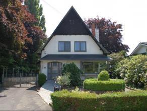 Charmante, volledig gerenoveerde villa met achterliggende magazijnruimte van 181 m². Ideaal gelegen in Kaggevinne (Diest) aan de verbindingsweg D