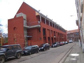 """Prachtig en ruim stadsappartement in standingvolle residentie """"Cerckel"""". Het gebouw is voorzien van een buitenlift. Het duplexappartement is voorzien"""