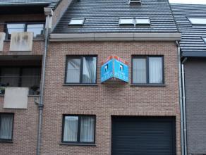 Gezellig dakappartement (duplex) vlak aan de Grote Markt van Diest gelegen.<br /> Het appartement ligt op de 2e verdieping en is bereikbaar per lift e