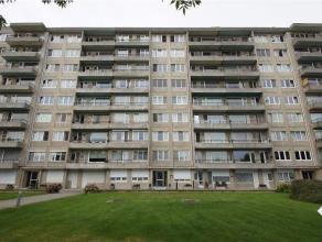 Gezellig appartement op het gelijkvloers (aan de achterkant van het gebouw), gelegen op wandelafstand van het station en het centrum. Het appartement