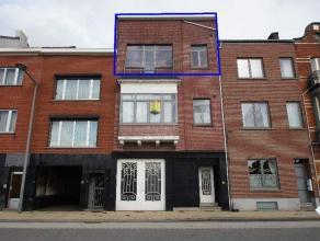 Ruim appartement gelegen aan het station van Tienen in de nabijheid van het centrum. Omvattend, een ruime leefruimte met 2 slaapkamers. Geen lift en g