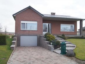 Perfect onderhouden villa op 9a 49ca gelegen in het landelijke Binkom bij Lubbeek en met vlotte verbinding centrum Leuven en Tienen. Het pand omvat op