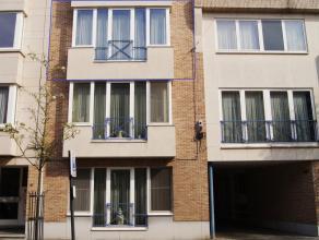 Zeer mooi en goed gelegen appartement op de 2de verdieping bereikbaar met lift. Het appartement is gelegen pal in het centrum op 500m van de Grote Mar