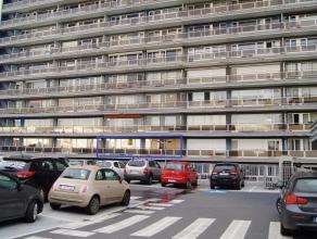 Zeer goed gelegen appartement op de 3de verdieping nabij scholen, winkels, ontspanning en met vlotte verbinding autosnelweg. Dit appartement bereikbaa