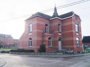 Zeer mooie en gerenoveerde ruime gezinswoning op een perceel van 8a 82ca in het gezellige Halle-Booienhoven. Deze instapklare woning omvat op het geli
