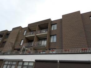 appartement omvat een hall met parlofoon en apart toilet, ruime living met uitzicht op terras, ingerichte keuken met dubbele afwasbak, kookfornuis en