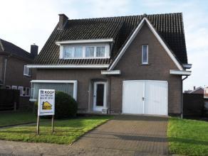 KUMTICH, Groenhofstraat 20: Welgelegen VILLA-WONING, open bebouwing  met 4 slaapkamers, voortuin, parking, aangelegde tuin (z) (volledig omheind) op