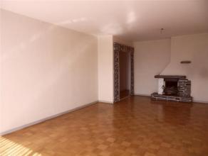 Gezellig APPARTEMENT van circa 75m², op 11de <br /> verdieping met 2 slaapkamers en aparte kelder.<br /> Indeling:  Inkom/hal, leefruimten/living