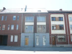 Prachtig nieuwbouw appartement te Hasselt. Dit appartement op de eerste verdieping bestaat uit één slaapkamer, een ingerichte keuken en