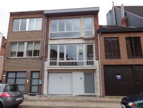 Mooi gerenoveerde en instapklare bel-étage te Hasselt. Dit pand werd helemaal van kop tot teen aangepakt en grondig gerenoveerd met kwaliteitsv
