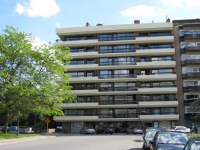 Vrij 01.07.2016 - te bezichtigen na telefonische afspraak 0487 434 920.<br /> <br /> Appartement, 55 m², 3de verdiep, met hal, living, keuken (ke