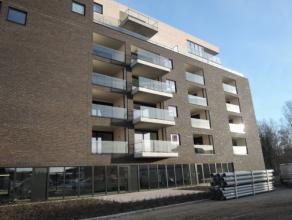 Vrij 15.02.2016 - te bezichtigen via kantoor.<br /> <br /> Nieuwbouwappartement, gelegen in de nieuwe residentie 'Central Park', 76 m²,  1ste ver