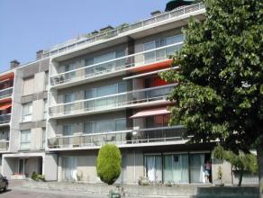 Vrij - te bezichtigen via kantoor.<br /> <br /> Volledig vernieuwd en instapklaar appartement, rustig gelegen in de Banneuxwijk, 88 m², gelijkvlo