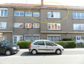 Hasselt: Volledig vernieuwd appartement met 2 slaapkamers op de 2e etage.  Uitstekend en gunstig gelegen appartement.Op korte nabijheid van diverse
