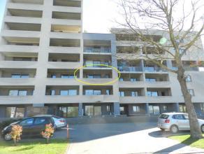 Hasselt: Gunstig gelegen ruim appartement met 3 slpks en terras.<br /> <br /> Gunstig gelegen appartement nabij diverse faciliteiten. Voor meer info 0
