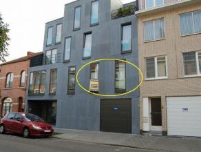 Hasselt: Modern instapklaar appartement met 2 slpks en terras.<br /> <br /> Gunstig gelegen appartement.Op wandelafstand van Hasselt centrum. Directe