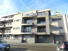 Hasselt: Nabij het centrum gelegen appartement met 2 slpks en ruim terras.<br /> <br /> Gunstig gelegen appartement nabij centrum Hasselt. Op directe