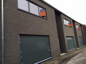 WONING 1 : Ruime, moderne energiezuinige nieuwbouw woning met stadstuin op een perceel van 1a37ca in het centrum van Stokkem. Bew. Opp.: 213,50m²