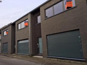 WONING 2 : Ruime, moderne energiezuinige nieuwbouw woning met stadstuin op een perceel van 1a37ca in het centrum van Stokkem. Bew. Opp.: 213,50m²