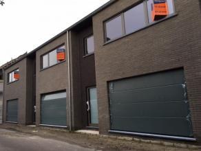 WONING 3 : Ruime, moderne energiezuinige nieuwbouw woning met stadstuin op een perceel van 1a37ca in het centrum van Stokkem. Bew. Opp.: 200m². G